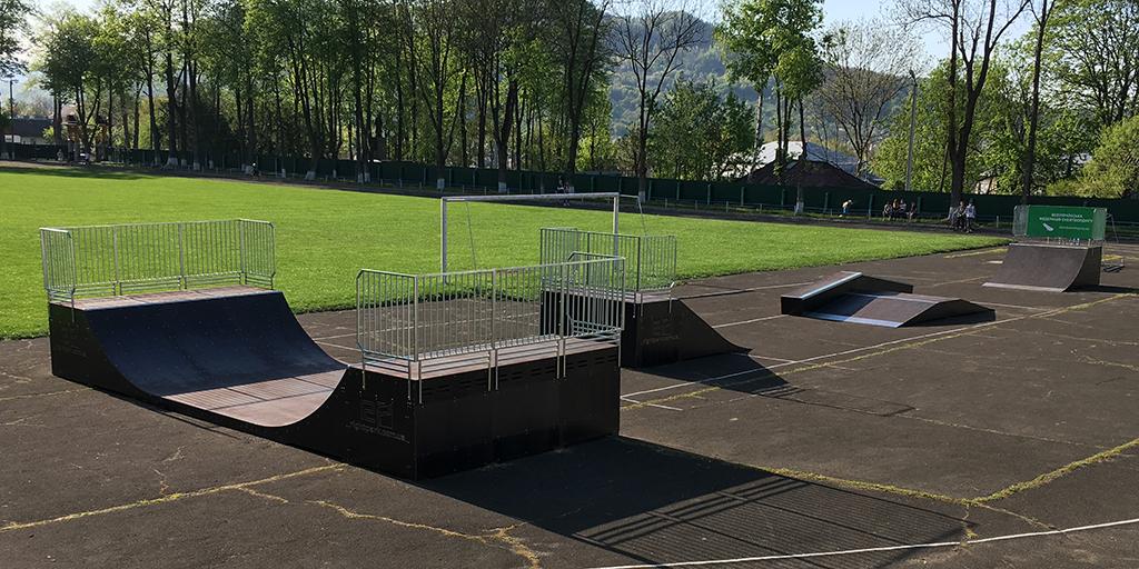 Скейт-парк и минирампа Вижница